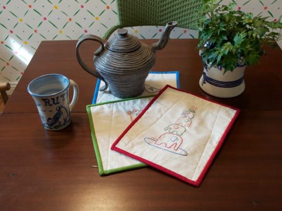 thomas-knauer-sews-teapot-trivets