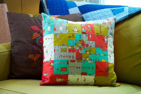 thomas-knauer-sews-little-apples-pillow