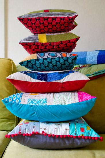thomas-knauer-sews-pillows-1