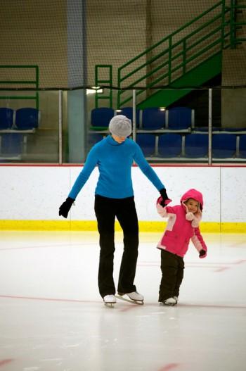 thomas-knauer-sews-skating-1