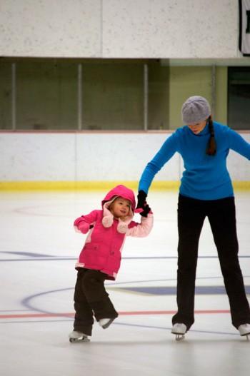 thomas-knauer-sews-skating-2