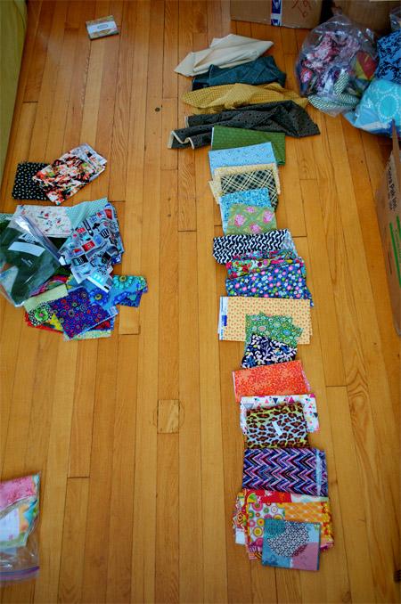 thomas-knauer-sews-fabric-pull