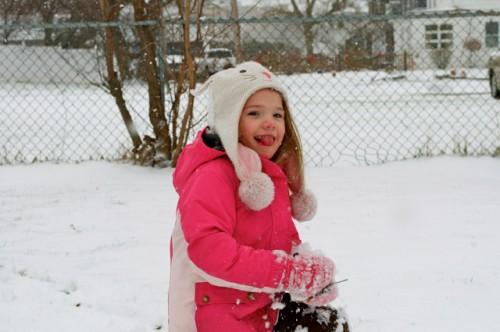 thomas-knauer-sews-snow-2